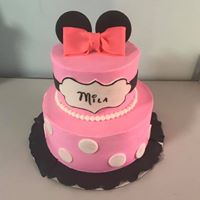 2 tier minnie mouse cake